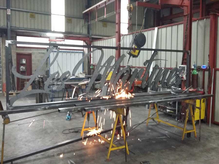 decoupe-laser-sur-mesure-realisez-votre-projet-personnalisé-avec-castan-métallier