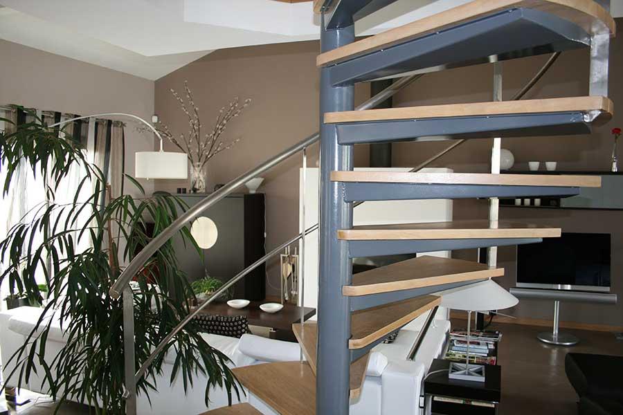 Escalier-helico-support-marche-caisson-marche-chenes-castan