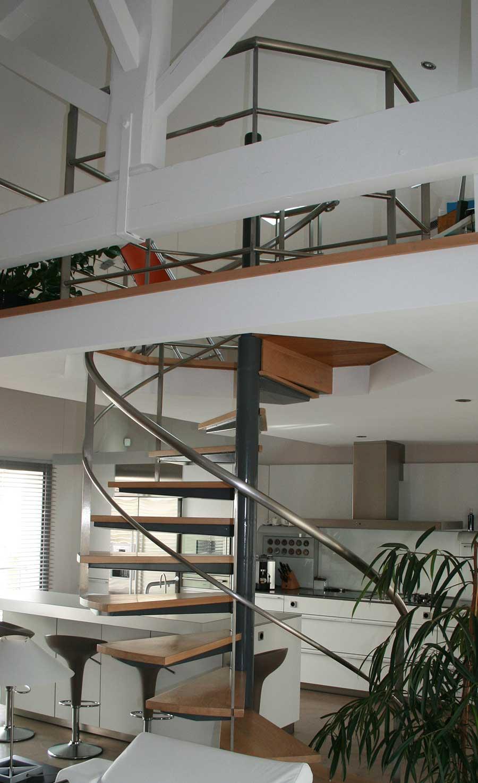 Escalier-helico-support-marche-caisson-marche-chenes-5