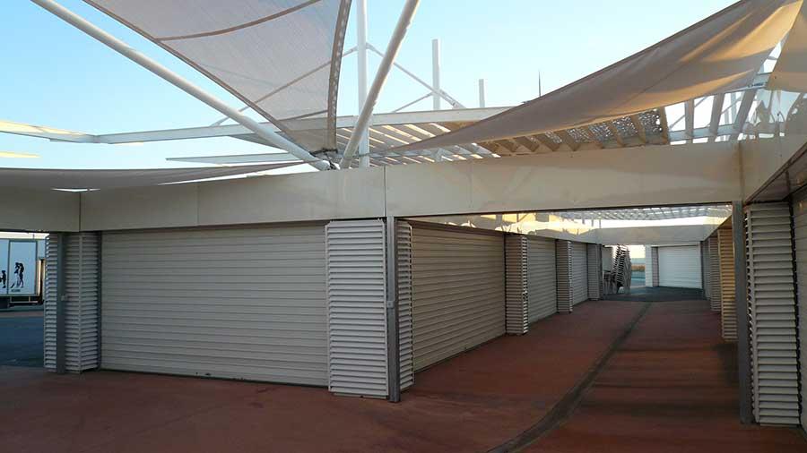 architecture-moderne-et-design-pergola-toiture-castan